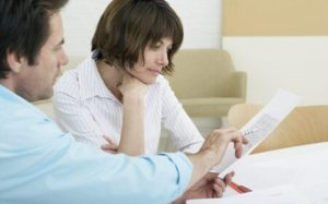 Как переоформить дом на жену