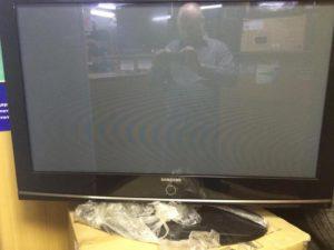 Как сдать в магазин сломанный телевизор по гарантии