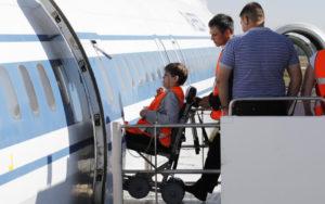 Есть ли льготы на самолет для детей инвалидов и сопровождающих